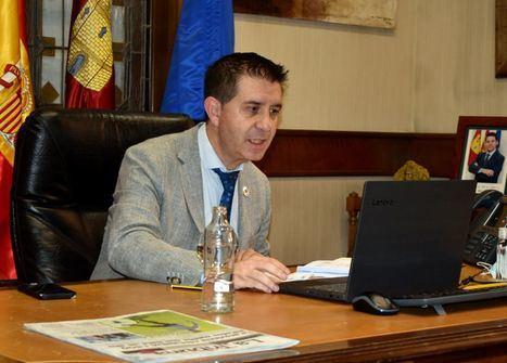 El Pleno de la Diputación de Albacete muestra su apoyo unánime al sector del calzado y solicita paralizar la 'Tasa Google' hasta que la UE tome una decisión