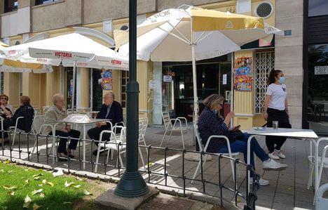 Hostelería de Castilla-La Mancha podrá abrir hasta la 1.00 horas, al 100% en terraza y con 10 comensales por mesa desde el domingo
