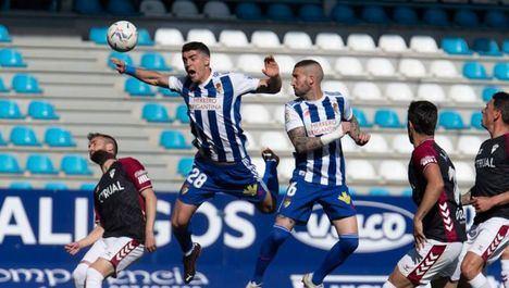 0-1.- El Albacete gana en El Toralín de Ponferrada y se agarra al milagro de la salvación