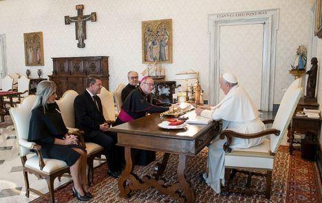 García-Page tras su audiencia con Francisco: 'El Papa está al tanto de la situación en España'