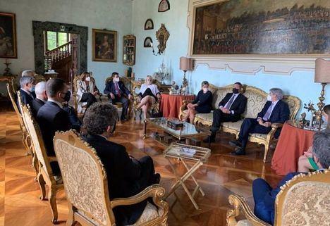 El Gobierno de Castilla-La Mancha aboga por establecer modelos de colaboración entre empresas de la región y firmas de capital italiano