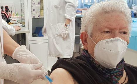 Coronavirus.- Castilla-La Mancha dice que puede administrar 200.000 vacunas semanales y que es capaz de aumentar la vacunación si hay dosis