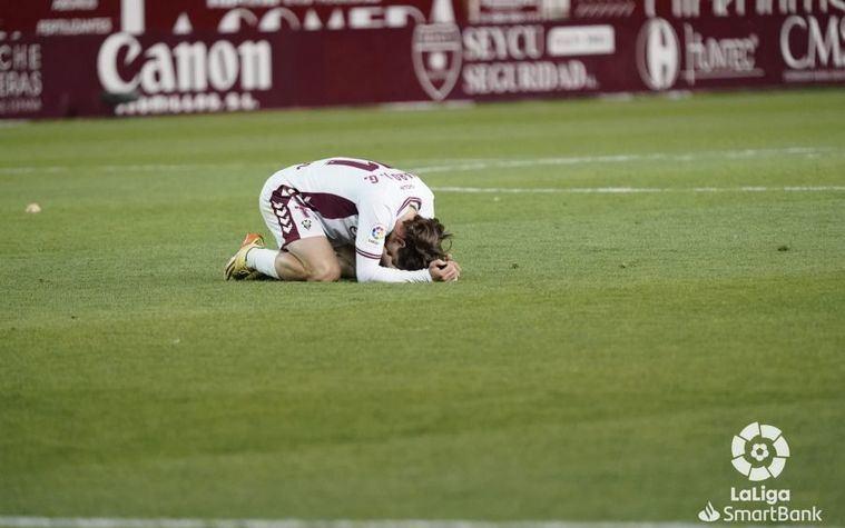 1-1.- Un penalti fallado por el Albacete frente al Lugo faltando 3 minutos para el final, podría sentenciar el descenso