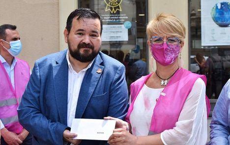 Acepain recibe de la Diputación de Albacete un donativo de 800 euros en el acto del Día del Superviviente de Cáncer