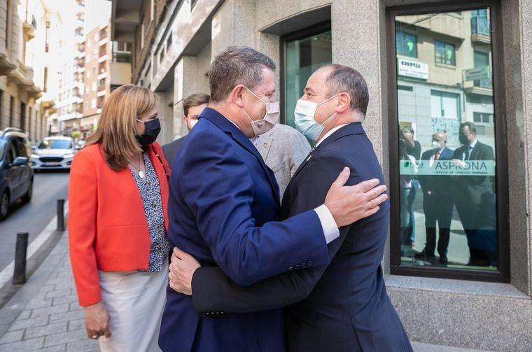 El presidente García-Page anuncia una reunión con el nuevo alcalde de Albacete para actualizar proyectos importantes para la ciudad