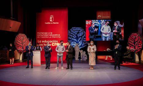 Castilla-La Mancha rinde homenaje a su sector educativo tras un año marcado por la pandemia: 'No hay sociedad decente sin docentes'