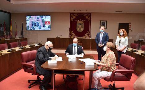 El Ayuntamiento de Albacete, el Obispado y Cáritas firman un convenio para habilitar un alojamiento de temporada para trabajadores del campo en el Seminario