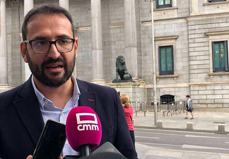 """Sergio Gutiérrez pregunta a Núñez: """"El tiempo del silencio cómplice ha acabado ¿Qué siente cuando escucha a la que fue presidenta de CLM hablando con Villarejo sobre cómo destruir pruebas?"""""""