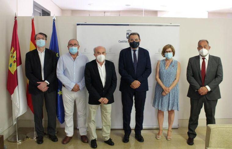 La Consejería de Sanidad y la Academia de Medicina de Castilla-La Mancha unen esfuerzos para desarrollar un calendario de acciones y actuaciones