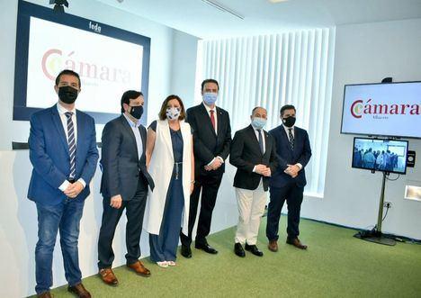 El alcalde de Albacete abre las puertas del Ayuntamiento a los proyectos de los empresarios albacetenses
