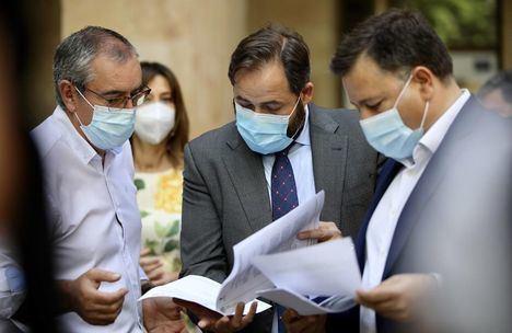 El PP pedirá la reprobación en las Cortes de Garzón por su 'ataque' a la carne y se pregunta qué posición adoptará Page