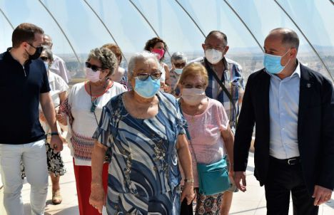 """Emilio Sáez: """"Las personas mayores han sido las más afectadas por la pandemia, no solo lo ha hecho su situación sanitaria, también sus relaciones sociales"""""""