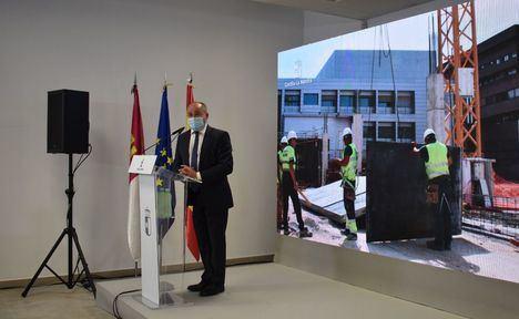 """Emilio Sáez: """"La apertura del nuevo Centro de Especialidades en Albacete supone que las obras del hospital van por el buen camino"""""""