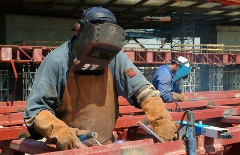 El paro bajó en Castilla-La Mancha en 4.900 personas hasta junio y se crean 25.400 empleos