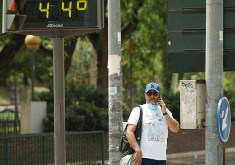 La ola de calor afectará desde este miércoles y hasta el lunes a casi toda España, superando los 40ºC en algunos puntos