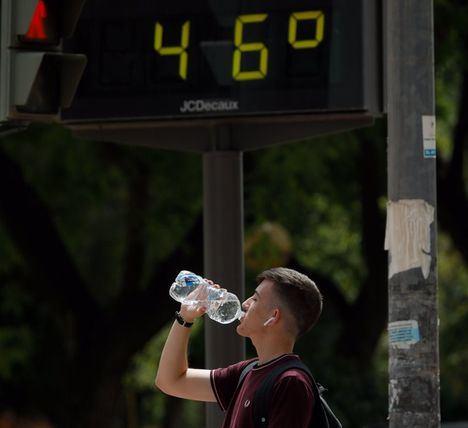 La AEMET prevé que este sábado sea 'el día más adverso' de la ola de calor y uno de los más calurosos de los últimos años