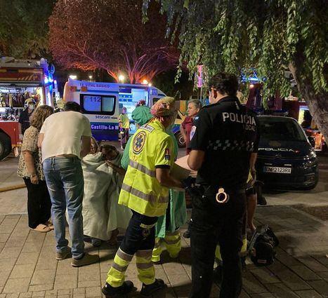 Sucesos.- Cinco personas resultan afectadas por inhalación de humo tras el incendio en la cocina de una casa de Albacete