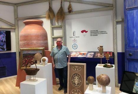 Francisco Pérez, el escultor-ebanista rodense lleva su obra a la Gran Vía de Madrid