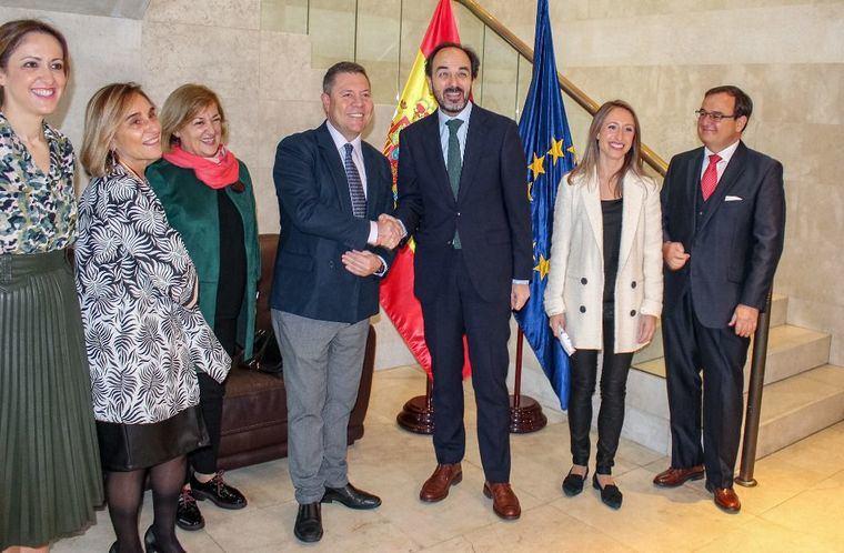 García-Page pide en Bruselas proteger la propiedad intelectual de la cuchlillería y artesanía de Castilla-La Mancha