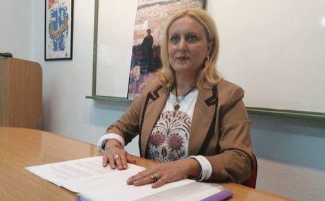La Asociación de Peñas de Tamborileros de Hellín, continúa con la gestora que preside Rafael Roche, al retirar su candidatura Pilar Cañabate