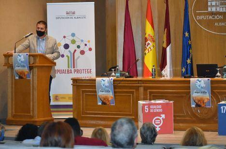 Cabañero avanza la voluntad del Equipo de Gobierno de la Diputación de disponer el doble de presupuesto y una nueva Convocatoria de Ayudas dentro de su Unidad de Igualdad para 2022