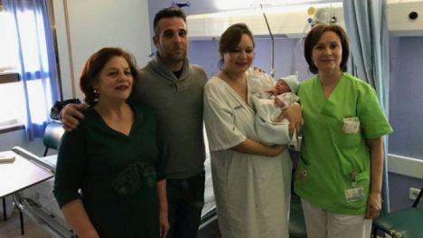 El primer bebé de 2018 en Castilla-La Mancha ha nacido en Hellín (Albacete) y se llama Aarón