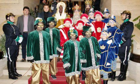 Los Reyes Magos de Oriente llegaron a la Plaza de Toros y recorrieron el centro de Albacete en una Cabalgata nultitudinaria