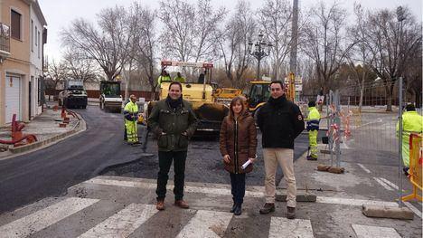 Almansa finaliza las obras de renovación de los colectores de agua con el asfaltado de la calle San Juan