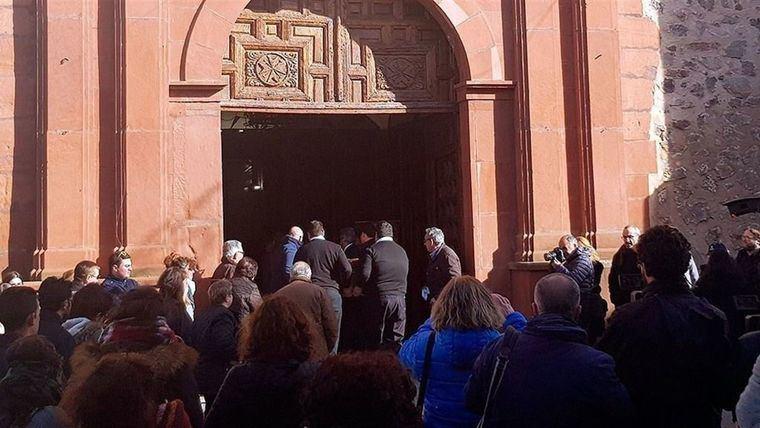 Herencia despide al joven Gonzalo Buján, fallecido tras recibir una paliza con cientos de personas arropándolo en su último adiós