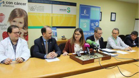 Emiliano García-Page reafirma el compromiso del Gobierno de Castilla-La Mancha en la lucha contra el cáncer infantil