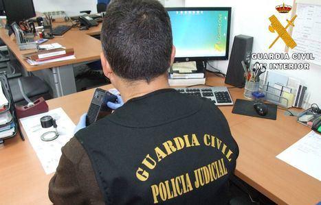 La Guardia Civil detiene a dos personas e investiga a otra por estafar a un vecino de Almansa a través de Internet