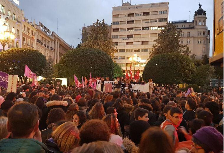 Miles de personas se manifiestan en Castilla-La Mancha por el Día de la Mujer reclamando 'igualdad real' entre hombres y mujeres