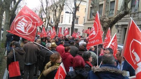 Unas mil personas en Castilla-La Mancha protestan por unas 'pensiones dignas'