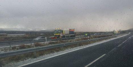 Una granizada provoca una colisión con 10 vehículos implicados en Pozocañada (Albacete)