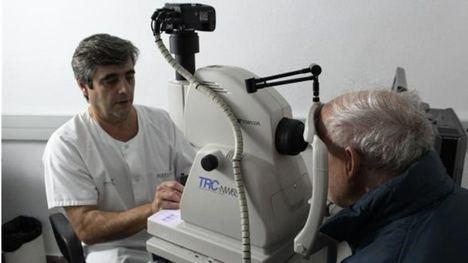 Profesionales de Atención Primaria de Albacete realizan retinografías para detectar retinopatías diabéticas