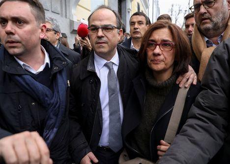 El juez Llarena dicta prisión para Turull, Rull, Romeva, Bassa y Forcadell por riesgo de fuga y reiterar la rebelión