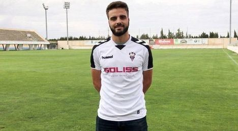 Según informa el Albacete Balompié, 'Pelayo Novo ya ha salido del quirófano'