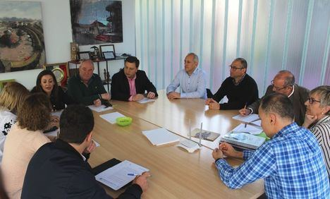 El alcalde anuncia que la cuchillería de Albacete tendrá su propio Himno y que será un símbolo para identificar y ensalzar a este sector