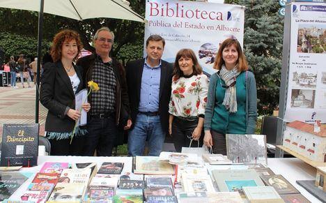 Manuel Serrano desea a los albaceteños un feliz 'Día Mundial del Libro y del Derecho de Autor'