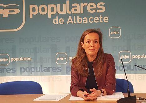Carmen Navarro destaca los incentivos que recogen los PGE para la creación de empleo en los jóvenes menores de 30 años