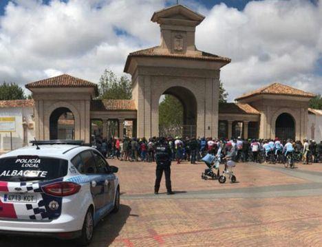 Unos 250 ciclistas se concentran en Albacete por el compañero atropellado el viernes
