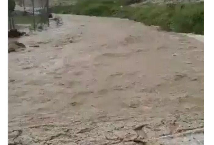 Impresionante tromba de agua que deja anegadas las localidades de Balazote y Lezuza, y enorme granizada en Hellín