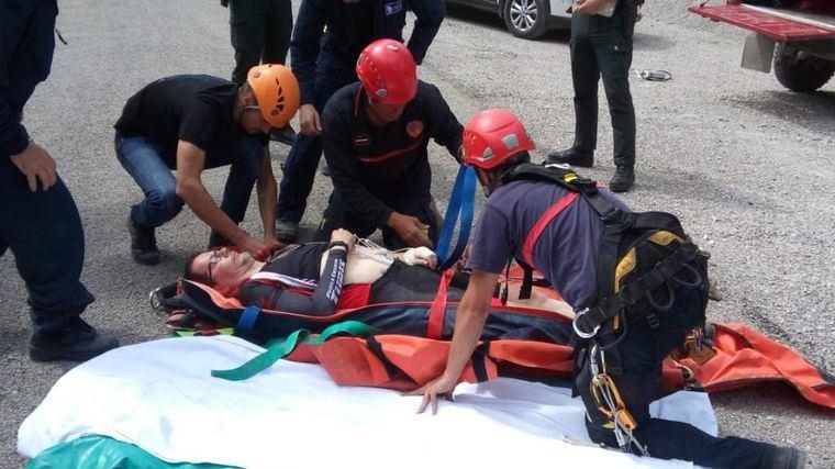 Rescatado y trasladado al hospital de Albacete el ciclista que cayó por un barranco en Villa de Ves (Albacete)