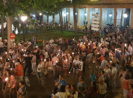 Más de 5.000 antorchas desfilaron en la noche de San Juan en Albacete