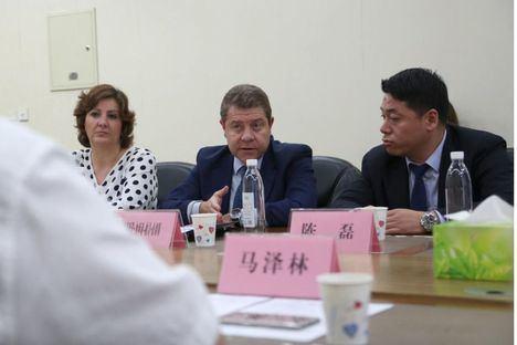 """El presidente García-Page califica de """"muy favorable"""" la misión promocional castellano-manchega girada a Sichuan esta semana"""