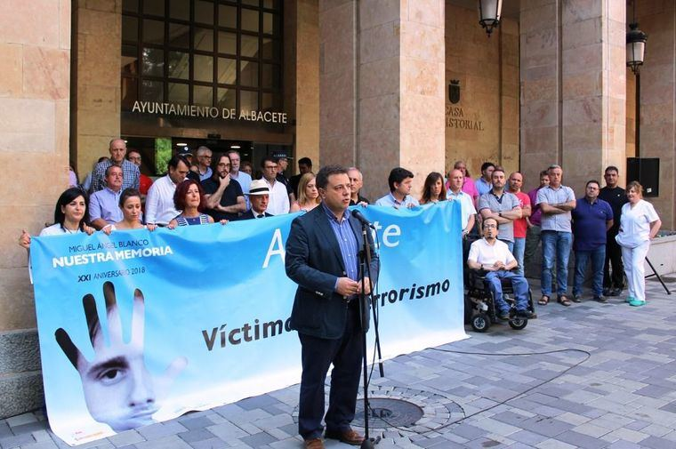 Manuel Serrano afirma que el estado de derecho, la democracia y la unidad de la sociedad española han conseguido la disolución de ETA