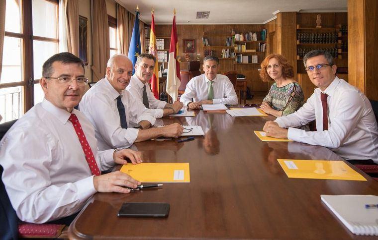 El Delegado del Gobierno en la región mantiene la I Comisión Territorial de Asistencia con los cinco subdelegados provinciales