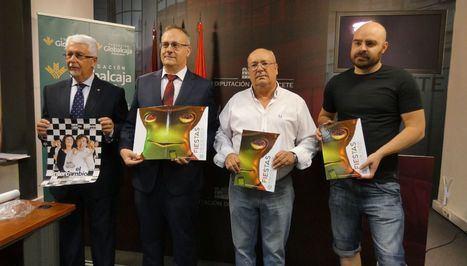 La Diputación acoge la presentación del programa cultural de Fuentealbilla 'Agosto 2018'