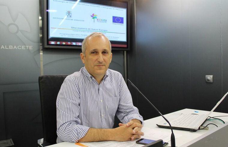 El Ayuntamiento de Albacete instalará un nuevo sistema para mejorar la gestión de turnos en espera presencial y cita previa