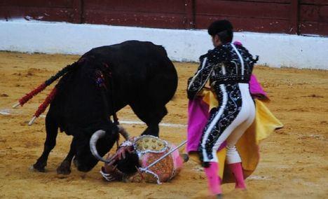 El torero David Mora, trasladado al Hospital de Albacete tras ser corneado en Socuéllamos